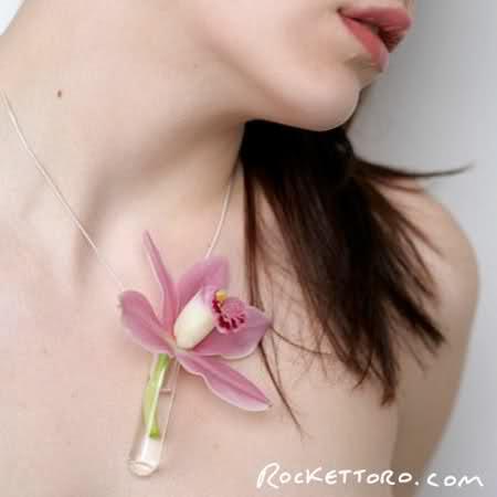 Necklace Vase