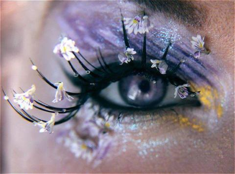 flower eye makeup