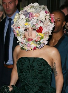 lady gaga wearing flower arragement helmet