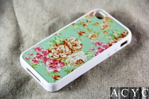 floral iphone case from etsy