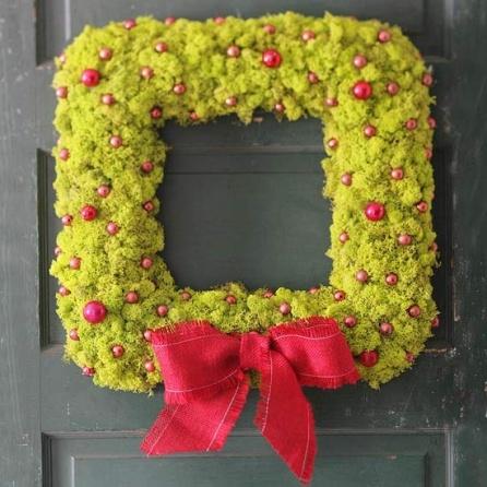square-shaped moss christmas wreath