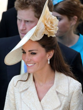 Kate Middleton in a floral fascinator at Zara's Wedding